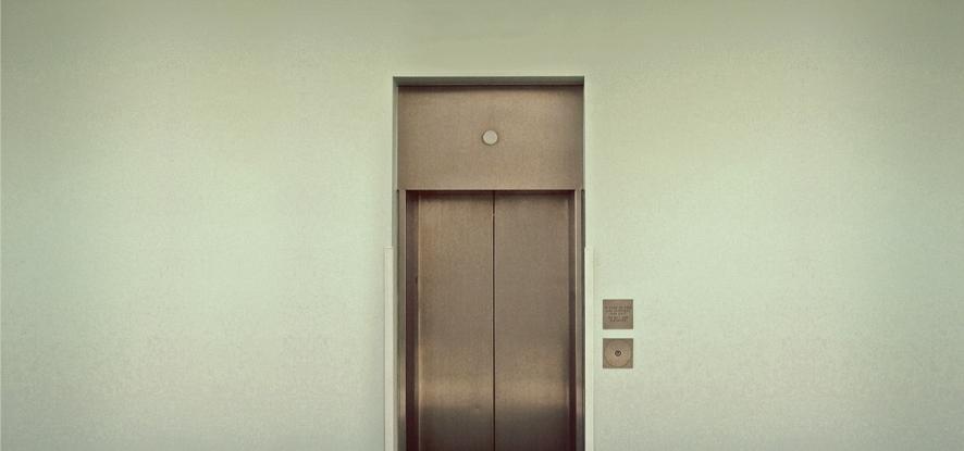 ¿Es obligatorio instalar un ascensor en mi comunidad?